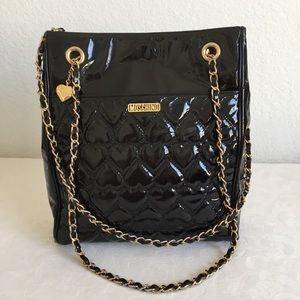 Moschino quilted patent leather chain strap tote